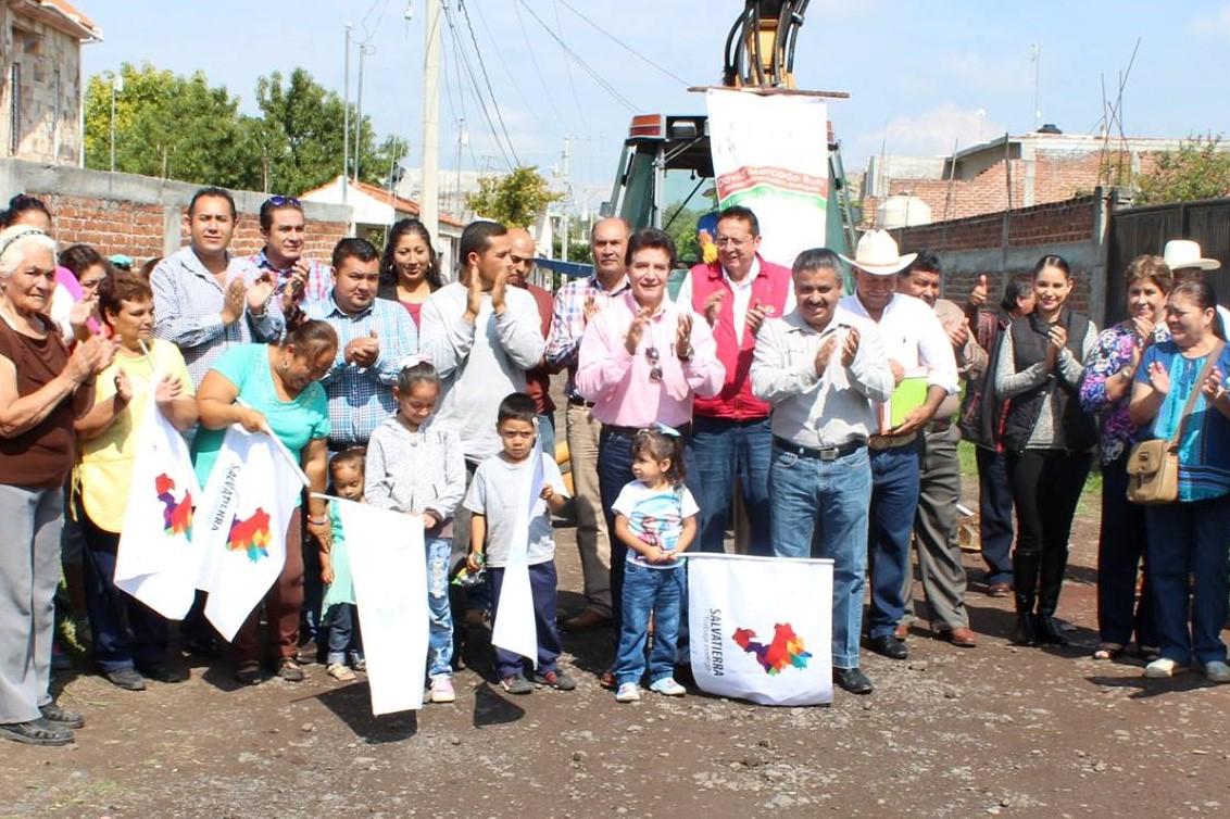 Calle Amapola  en la comunidad del Potrero