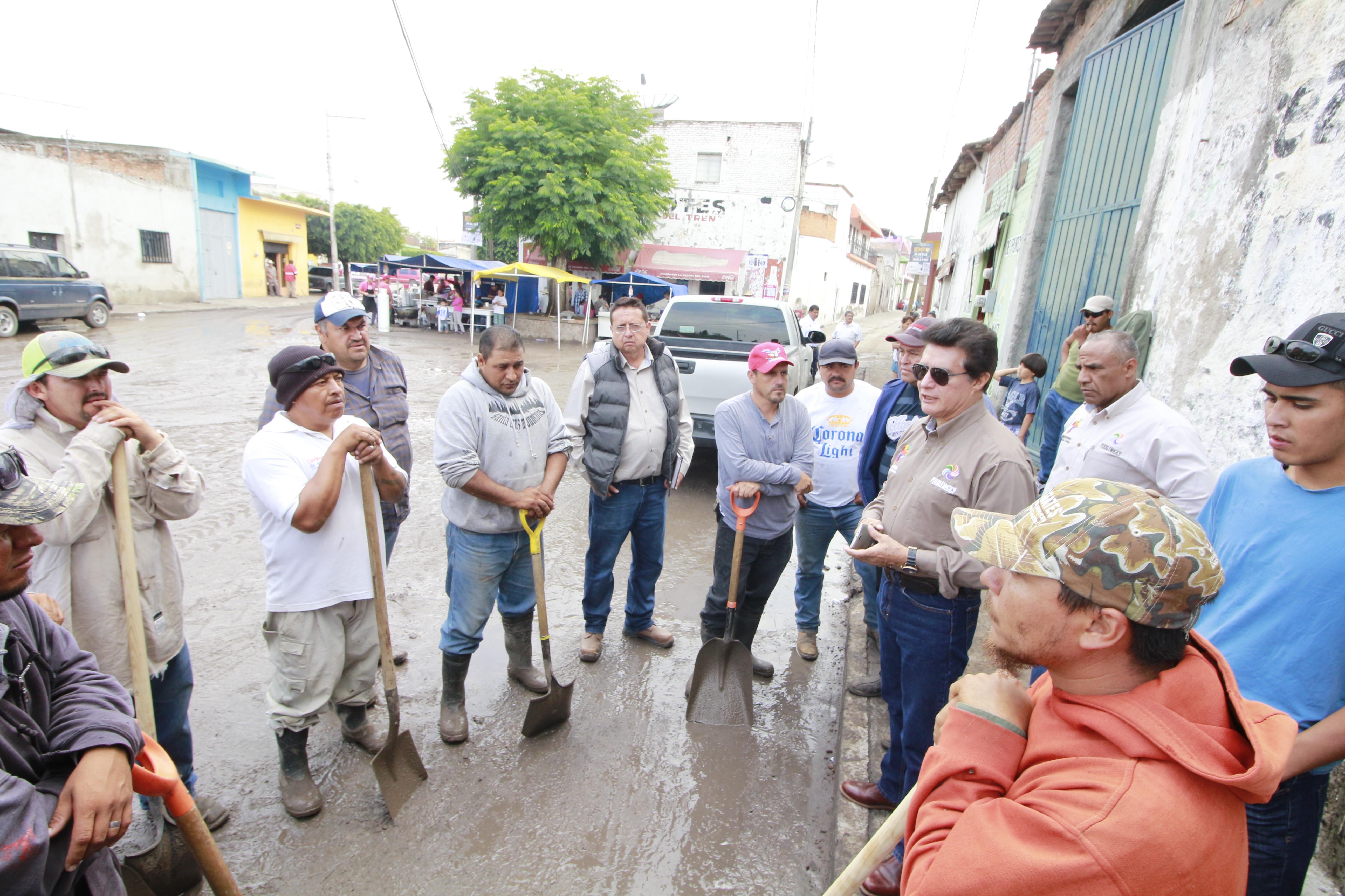 protección civil comenzaron a trabajar en detección de daños y zonas de riesgo.