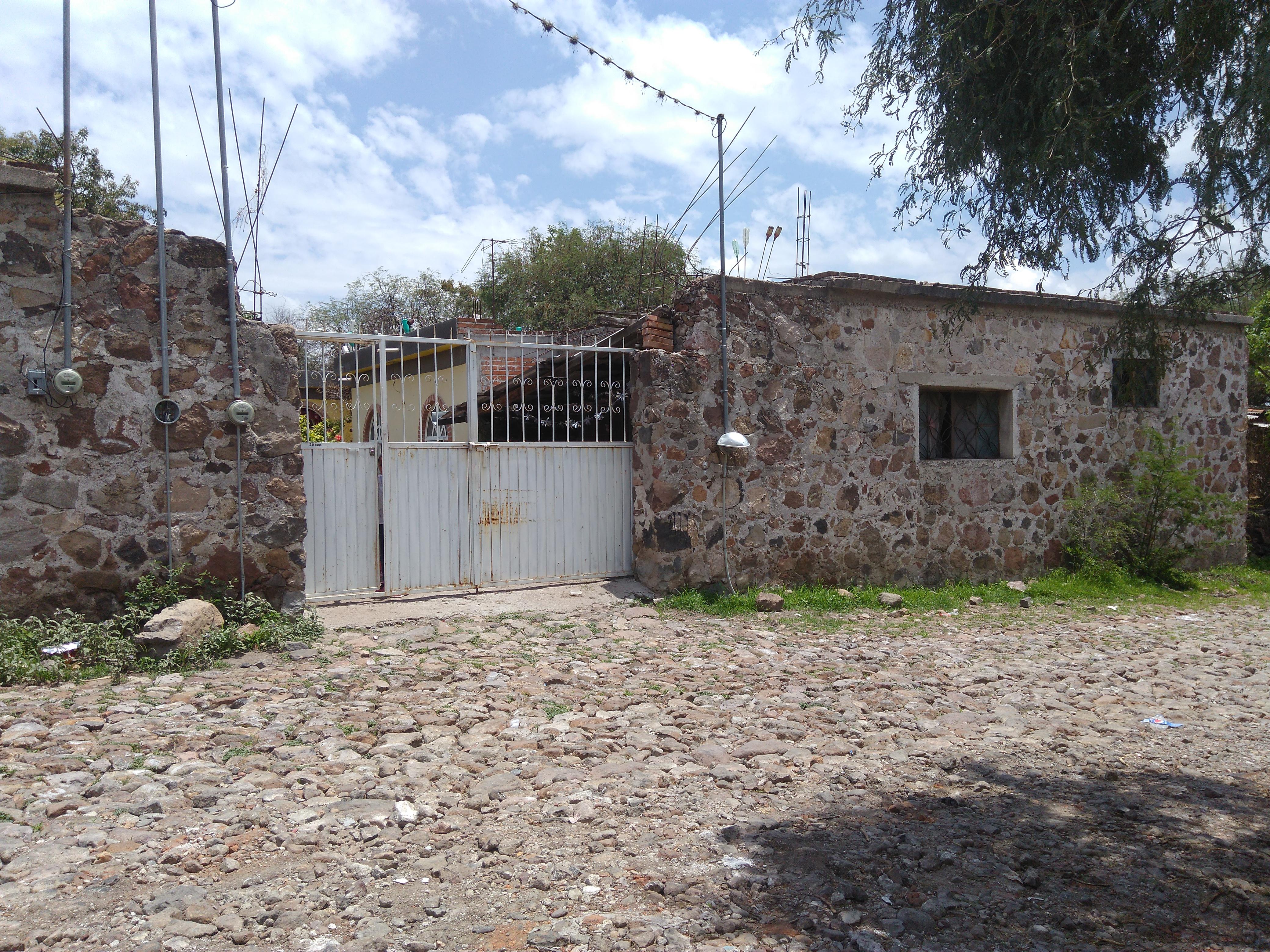 Por fortuna una de las personas que se rescataron con vida fue Vicente Puente quien a decir de familiares y amigos era trabajador de la construcción y padre de cinco hijos.