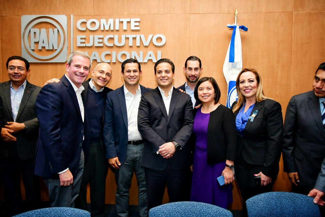 En la sesión de la Comisión Permanente nacional, realizada en la sede del CEN, fue uno de los asuntos aprobados por el órgano panista, al apoyar por unanimidad la candidatura de Rodríguez Vallejo, quien el pasado 7 de enero se registró como precandidato único en el Comité Directivo Estatal.