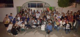 Enrique Arreola realiza campaña en cabecera municipal